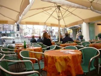 ウィーンであちこちに見られるカフェ