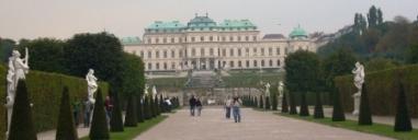 郊外にあるベルヴェデーレ宮殿