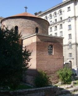 隠れるように建ってるので見つけるのに苦労した聖ゲオルギ教会