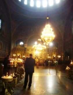 ウィーンとは趣の違うソフィアの教会内部