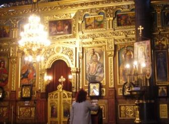 見事な装飾の教会内部