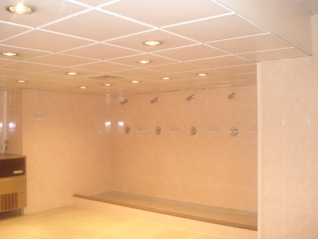 バルサ シャワー室