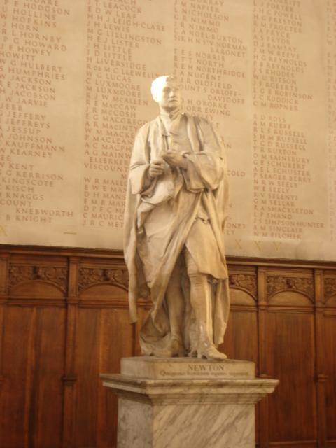 ニュートン像
