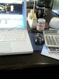 食卓で仕事