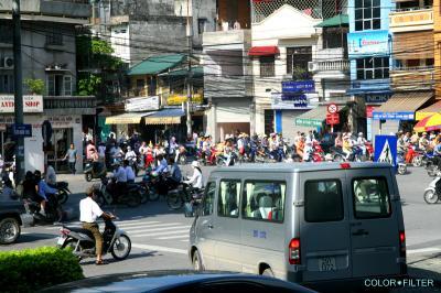 ハノイのバイク群