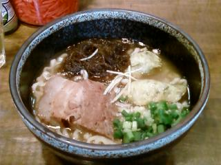 20070827 首里製麺@代田橋 沖縄そば 700円.jpg