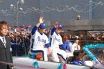 オープンカー上左:川上選手・右:福留選手。
