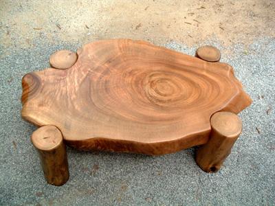 輪切りのテーブル(脚:四つ足)