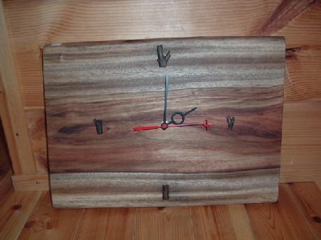 無垢板の時計~紅楠