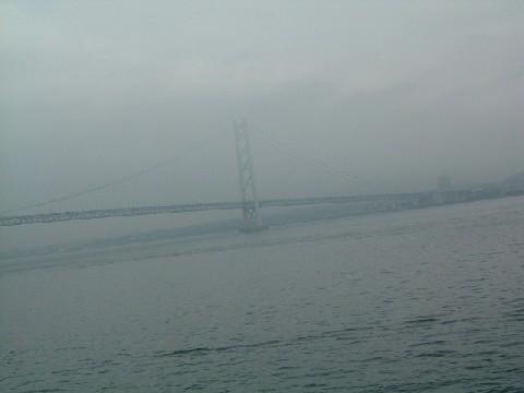 明石海峡大橋、~フェリーより。