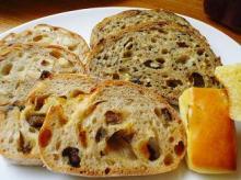 パン盛り合わせ 二皿目