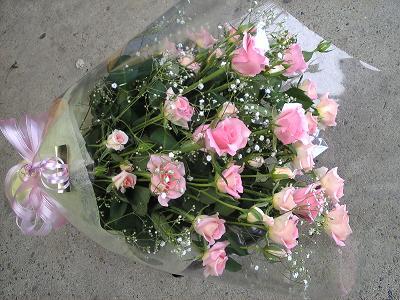 ドロレス・エミオ・カスミ草の花束