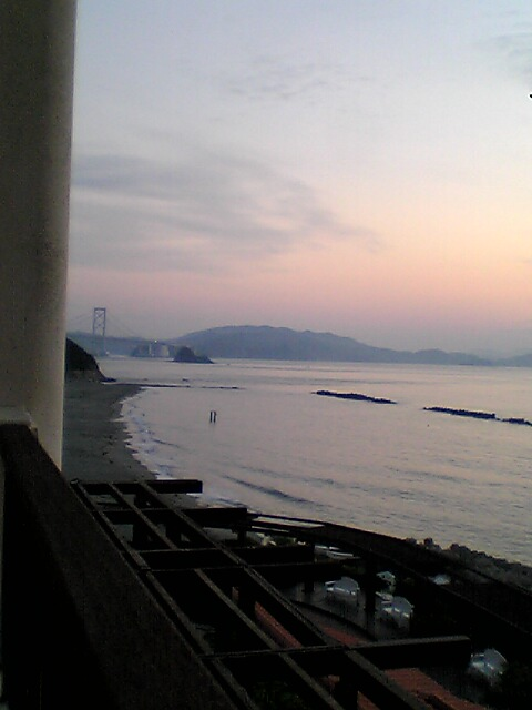 早朝の大鳴門橋