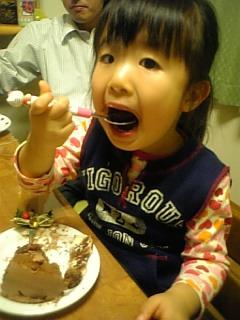 ケーキをあ~ん♪
