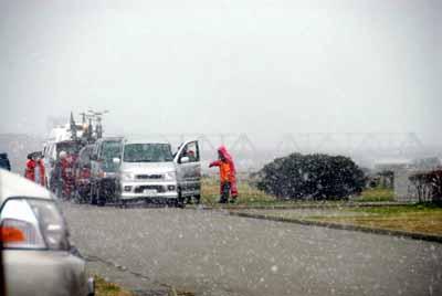石川で雪が舞います