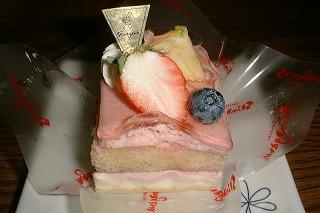 シナガワフルーツケーキ