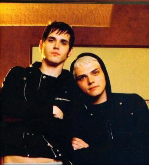 Gerard Way & Mikey Way(My Chemical Romance)