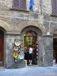 塔の街の陶器屋さん