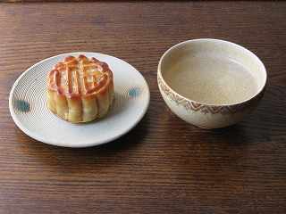 福臨門の月餅と桂林ウーロン茶2