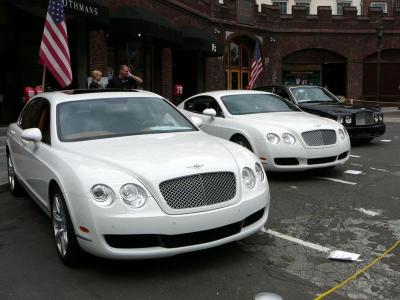 800px-SC06_Three_Modern_Bentleys.jpg