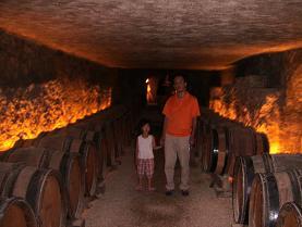 Marche aux vinsの地下カーブのワイン樽