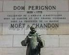 Dom Perignonの銅像