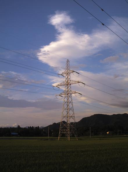 田んぼ鉄塔