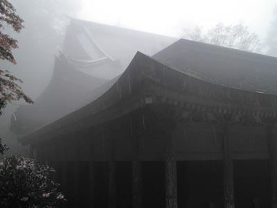 比叡山-本堂・軒、雨