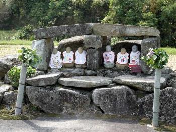 大石の六地蔵