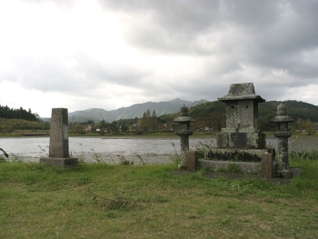 八幡池と水神様