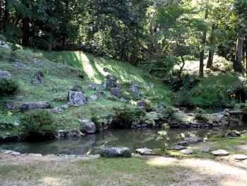 明林寺の庭園