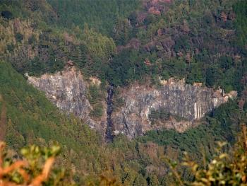 『神崎の滝』遠望