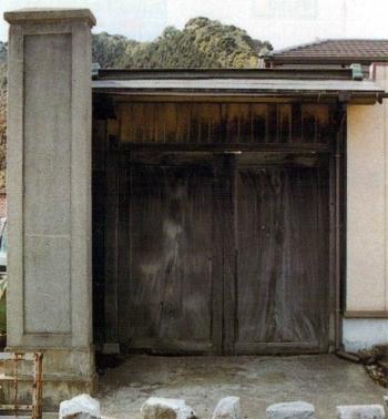 俗論党本営の扉(旧柳井家)