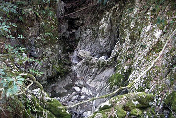 普段、水が流れていない時の『犬ヶ森ポノール』