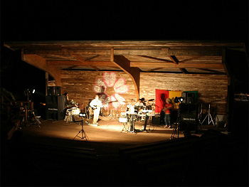 夜の「桜まつり」コンサート