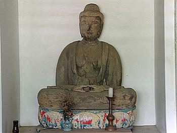 正現寺の木造釈迦如来坐像-1