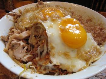 新麺大/全トッピング/目玉焼き後乗せ辛マヨ