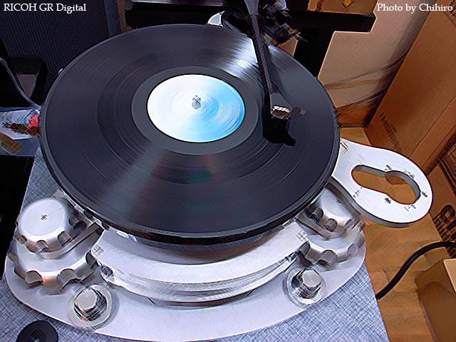 【Disk Master!】 GR Digital : ISO64, 絞り優先AE, WBオート, EV0, F3.5, 1/4s, sRGB with PhotoShop