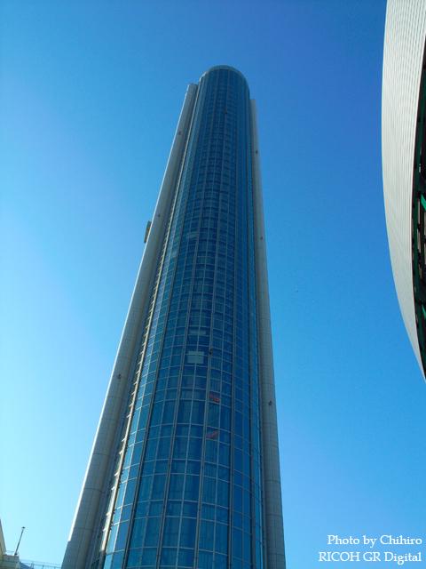 東京ドームホテル GR Digital: ISO64, 絞り優先AE, WB屋外, EV0, F5.6, 1/350s, sRGB