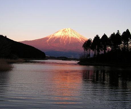 田貫湖と富士山1