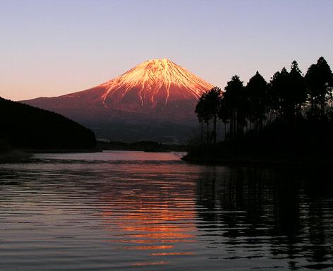 田貫湖と富士山2