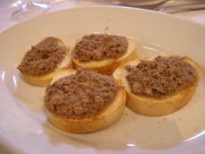 フィレンツェ お店前菜トースト1