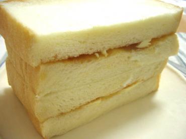 満 食パン2