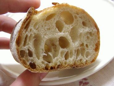 とらやベーカリー ライ麦の天然酵母バゲット2