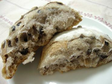 ゆきのパン屋 クルミとカレンツのパン2