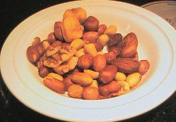 アンバサダーラウンジのナッツ