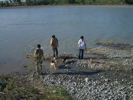 多摩川、楽しいね~!