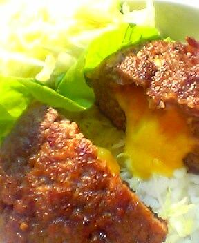 チェダーチーズ入りハンバーグランチ丼2
