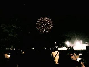 07.08.01(水)神奈川新聞花火大会001