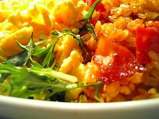 ママーミートソースで炒めご飯と炒り玉子1-2